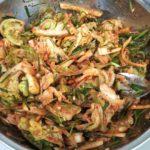 春キャベツと牡蠣の塩辛でキムチを漬ける